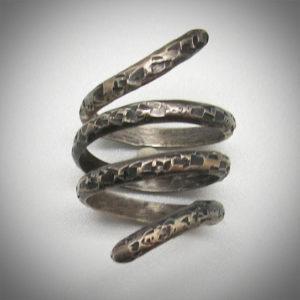 1-silver-snake-antique2-vig-1
